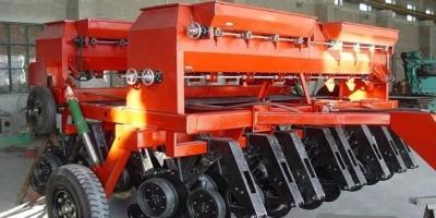 250拖拉机带的种玉米机有什么样的?