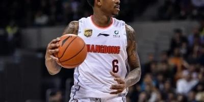 在CBA犹如篮球之神般的马尚,为何在NBA却遭到了嫌弃和淘汰呢?
