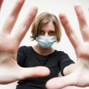 如果国外疫情无法控制除了中国其他国家人都感染了,中国怎么办?