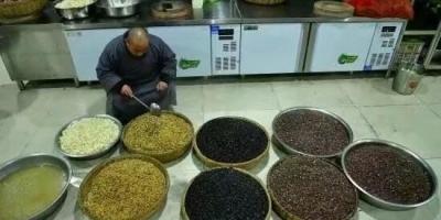 黑豆和黄豆哪个打的豆浆营养好?