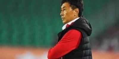 现在中国女足教练是谁?你认为他带领女足在世界杯上有所作为吗?