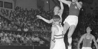你认为中国男篮历史上有哪些厉害的队员?