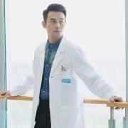 有从医院里面辞职出来的医护人员吗?