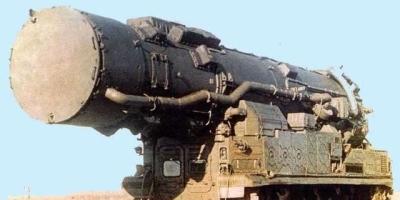 为什么导弹发射车用的是轮胎而不用履带?