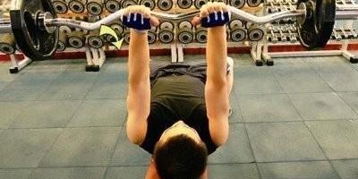 每次引体向上都不超过5个,你有什么办法练背阔肌吗?