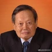 杨振宁反对中国建造大型对撞机,大家怎么看待这件事,到底该不该建?