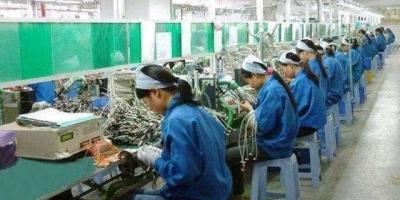 外卖人员数量疯狂增长,工厂却越来越难招人,这说明了什么?