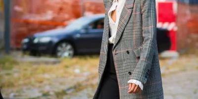 大衣里面怎样穿才最有型?