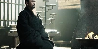 """孔子说:""""敬鬼神而远之""""是让人远离鬼神吗?他为什么要这么说?"""