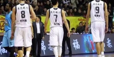 你觉得彻底年轻化的广东宏远下赛季行不行?