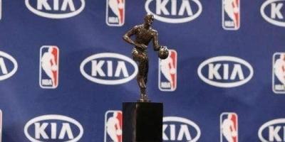 NBA历史上有拿下MVP却没入选赛季1阵的球员吗?