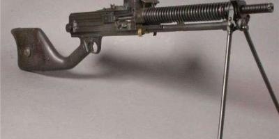 歪把子被称为二战最烂的机枪,它究竟烂在哪里?