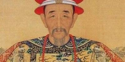 满清有名的三个皇帝,康熙,乾隆,雍正,他们谁的历史功绩最大?