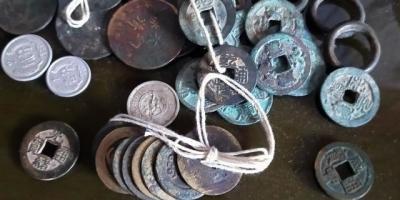 朋友们,你们家里有没有老钱币,值钱不?