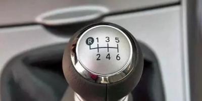 手动挡的车怎么开才有爆发力?