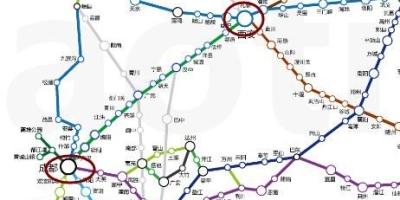 成都、西安、重庆中的哪一个是中国西部高铁的中心枢纽?为什么?