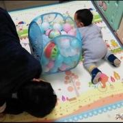 宝宝学爬期很重要,怎么才能引导他自己爬呢?