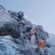 珠峰山顶海拔高温度低,残骸万年不会腐烂,能否看到古人的痕迹?