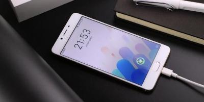 目前性价比高的千元手机哪个好?