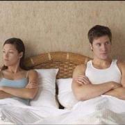 结婚25年,我能感觉老公对我是极其厌恶,冷漠的,可他又不肯离婚,是什么原因呢?