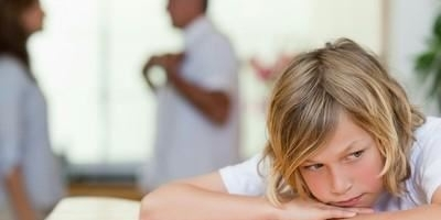 我和前夫因为他出轨离婚,十几年一直没联系,女儿跟我,现在女儿要结婚了,通知他不?