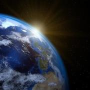 地球绕太阳一圈有多远?