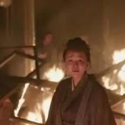 《知否》大结局中小秦氏火烧祠堂自杀时,顾廷烨为何喊她母亲?明兰又为何哭泣?