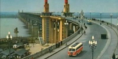 徒步走过武汉长江大桥是怎样一种体验?