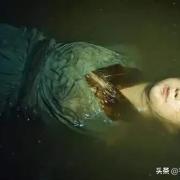 《重启》南海王墓里女皮俑为何一直跟着吴邪?真的是帮吴邪的吗?