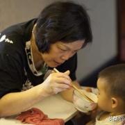 为什么婆婆带孩子,孩子爱吃饭长得高?还不会积食脾胃虚呢?