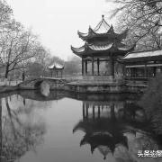 中国历史上为什么能出现,指鹿为马、这样的荒唐事?