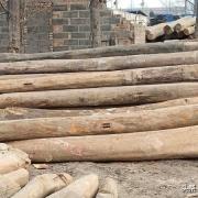 农村有人收旧房梁,一根100多,破木头有啥用?