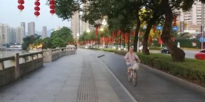从小就喜欢江南,现在退休了,想去江浙一带养老,有什么小镇可以推荐一下?