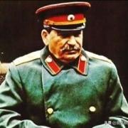 在正规场合,为什么斯大林同志总是穿军装?