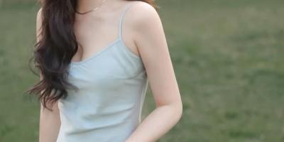丝绸裙如何搭配好看?