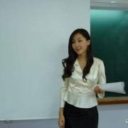 上学时,你有没有偷偷爱上过自己的老师?