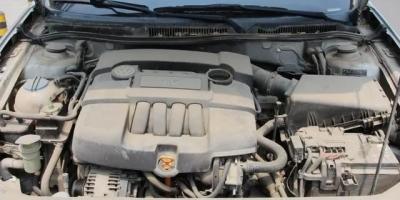汽车发动机的尘土要常常清洁吗?