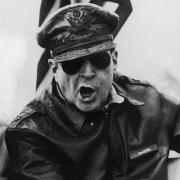 李奇微军事能力比麦克阿瑟强?杜鲁门为什么要换他去朝鲜呢?