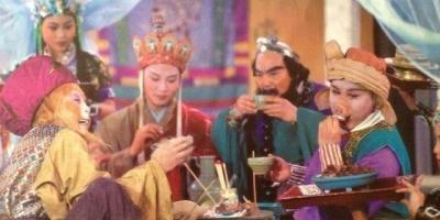 为什么唐僧带徒弟们吃素,却从来不在乎三个徒弟喝酒?
