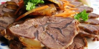 有些市场上卖的卤牛肉40元一斤,是真牛肉吗?有何依据?