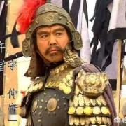 许褚面对五虎上将,敢单挑从来不怂,为什么遇到颜良文丑却不敢迎战?