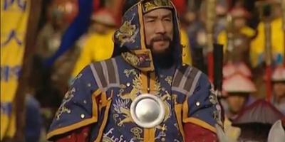 《雍正王朝》年羹尧的火头军预备的小炒肉和大白菜是怎么做的?说明了什么问题?