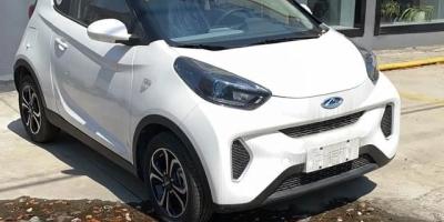 最近考虑买一辆新能源车代步,问一下同样一线品牌的新能源车,哪个牌子的续航时间长?\r