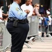 为什么美国的警察都特别胖?