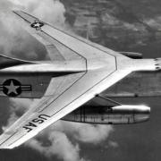 隐形战机是把雷达反射截面降到飞鸟大小,但有没有飞机把雷达反射截面变得和喜马拉雅山一样大变得无法攻击?