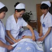 为什么医院里很少看到45岁以上的护士?