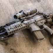 为什么很少看到有国家将SCAR当做军队的制式步枪?