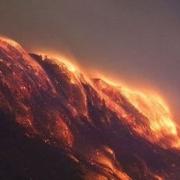 贺兰山的煤炭一直都在燃烧,为什么不能用水直接扑灭?