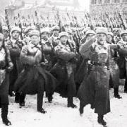 胆大如斗还是意气用事?为何斯大林要在莫斯科极端危险时举行阅兵?