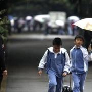 孩子一直在深圳读小学,现在要回家读初中,很多人说哪怕是私立也要在深圳读下去怎么办?